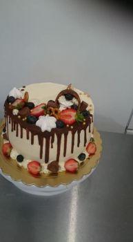 Tort w masie cukrowej